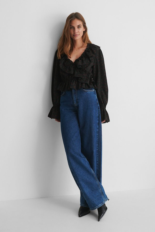Frill Drawstring Blouse with Wide Jeans.