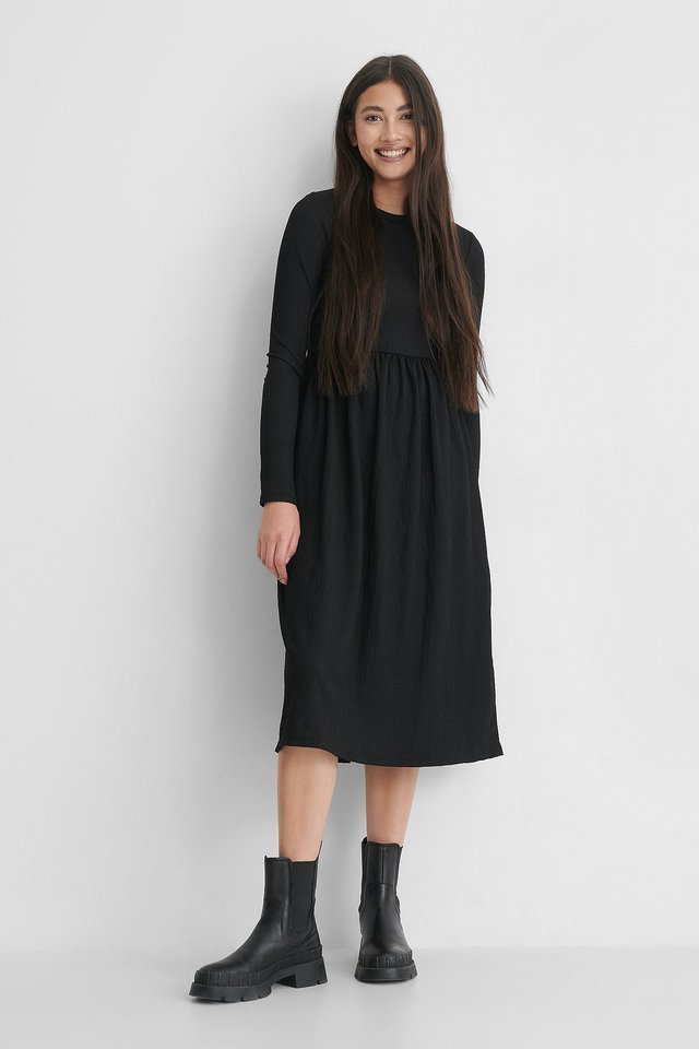 Crepe Hem Midi Dress Outfit.
