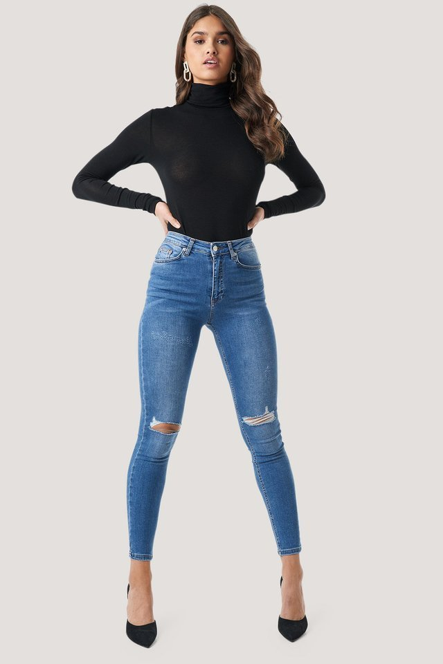 Skinny High Waist Destroyed Jeans Outfit.