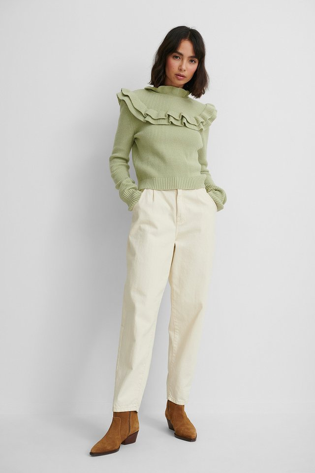 Ribbed Flounce Knitted Sweater.