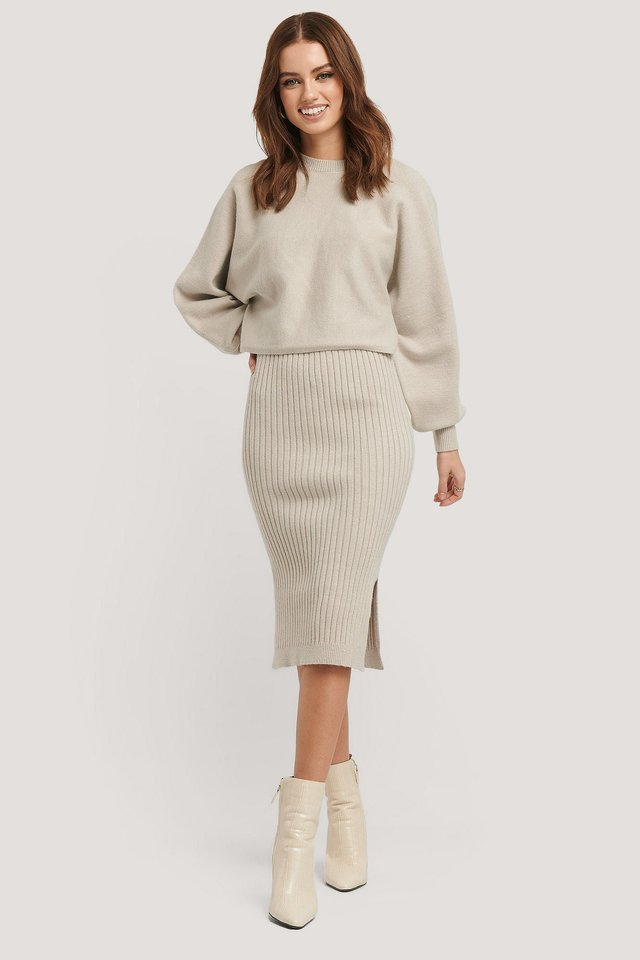 Round Neck Cropped Knitted Sweater Outfit.