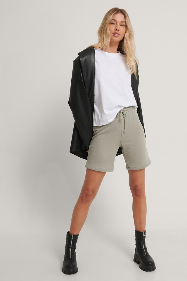 Oversized ¾ Sleeve Tee Outfit.