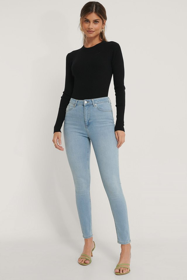 Skinny High Waist Jeans Outfit.