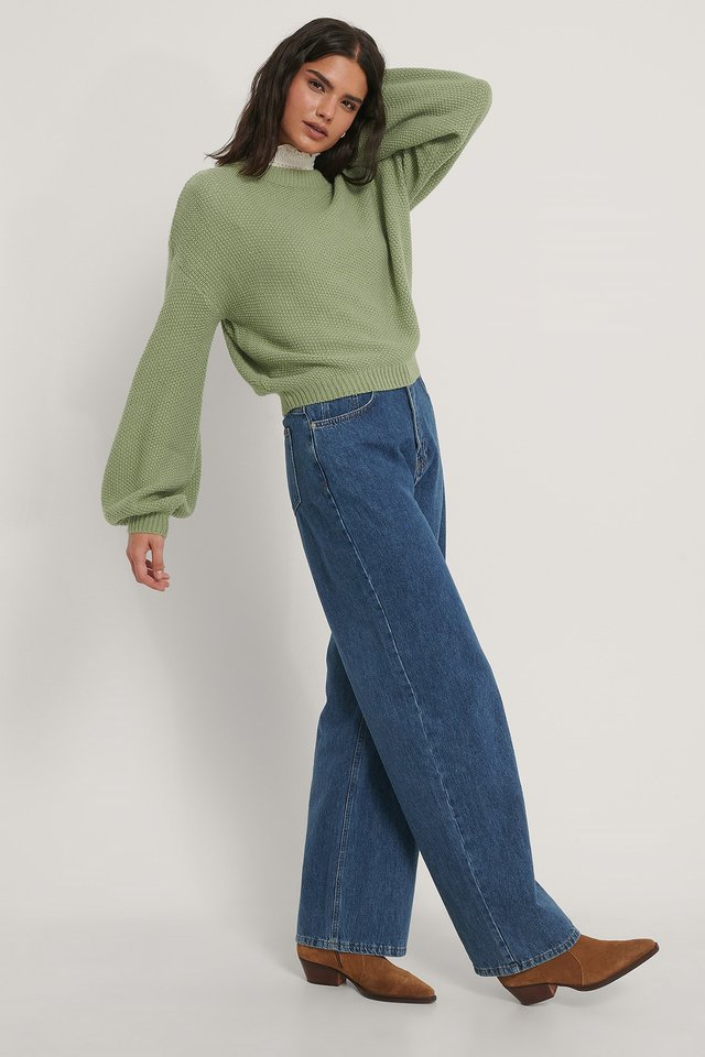 Balloon Sleeve Knitted Cropped Sweater with Jeans.