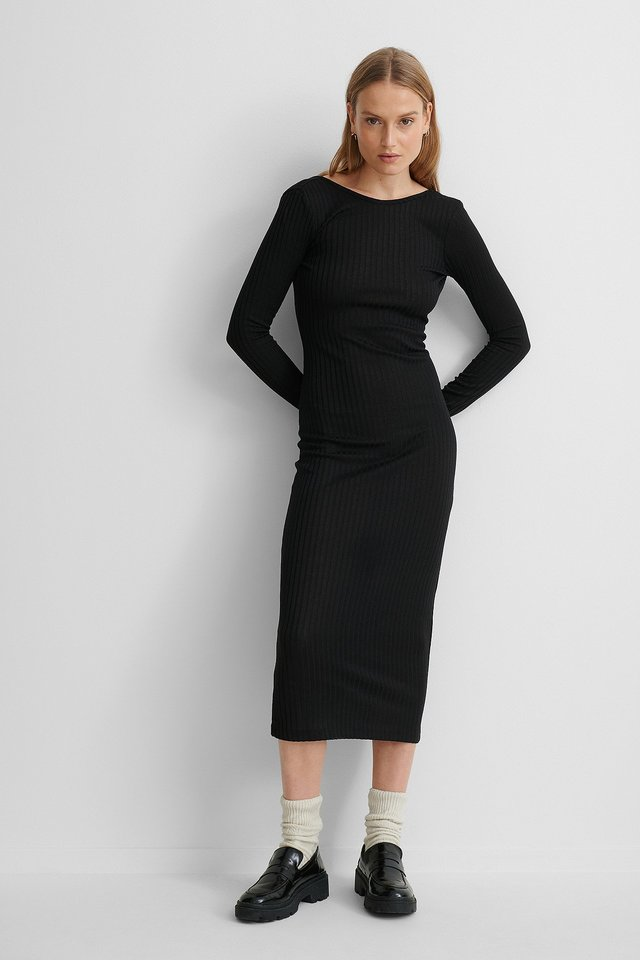 Deep Back Ribbed Dress Outfit.