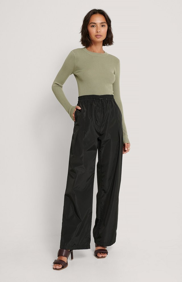 Ribbed Round Neck Knitted Sweater Outfit.