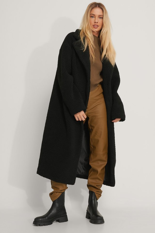 Oversized Long Teddy Coat Outfit.