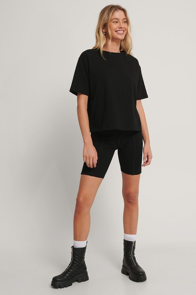 Oversized Boxy Tee Outfit.