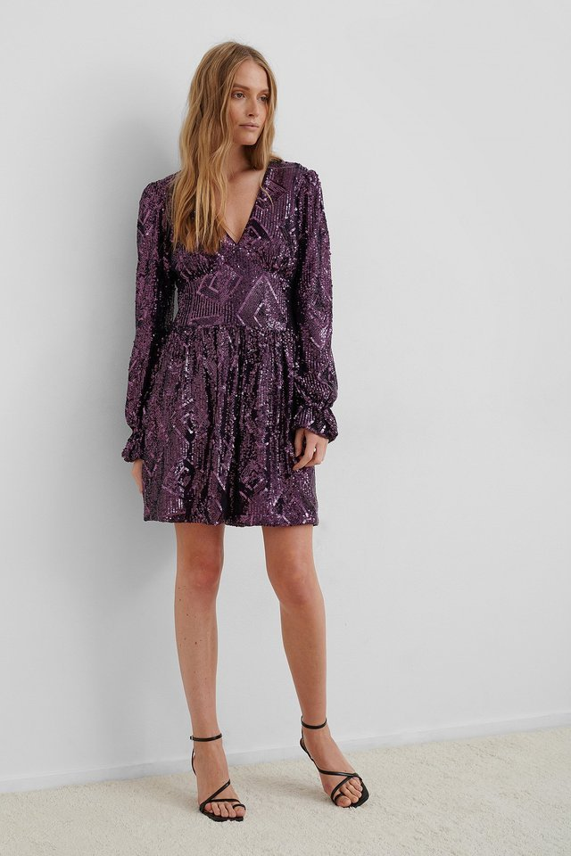 Sequin V-Neck LS Mini Dress Outfit.
