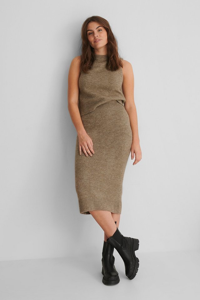 Taldora Skirt Outfit.