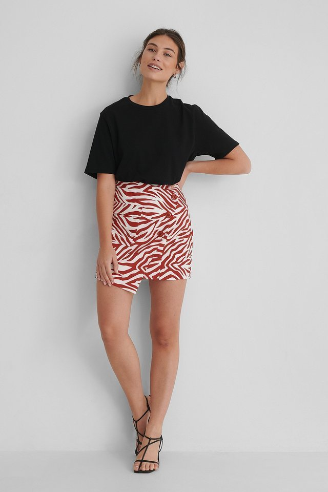 Asymmetric Mini Skirt Outfit.