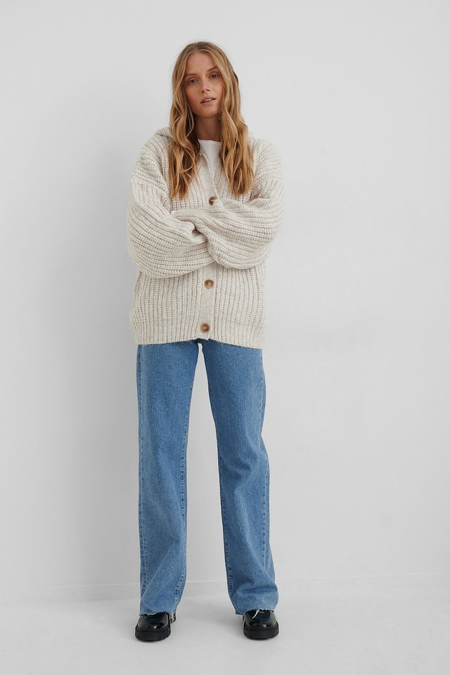 Capuchino Cardigan Outfit.