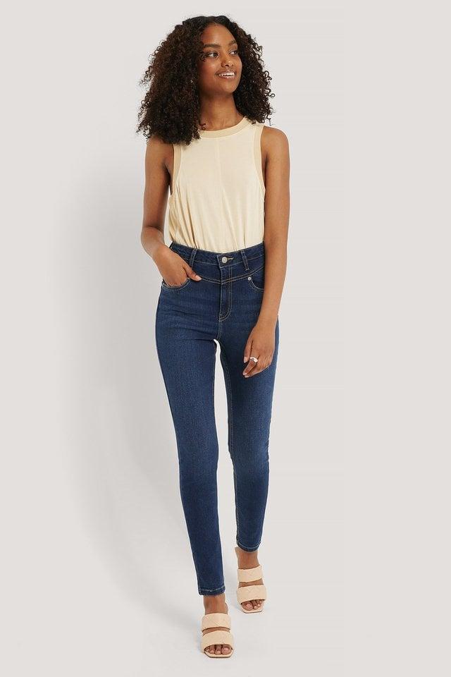 Front Yoke Skinny Jeans.