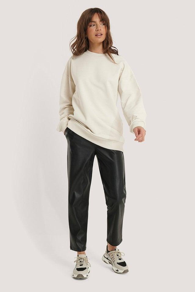 Oversized Crewneck Sweatshirt Outfit.