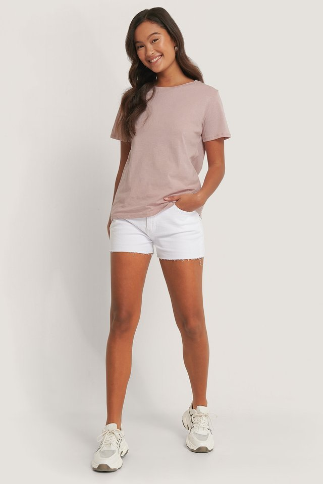 Basic Tee Outfit.