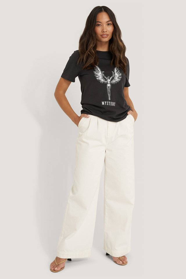 Mystery Angel Print Tee Outfit.
