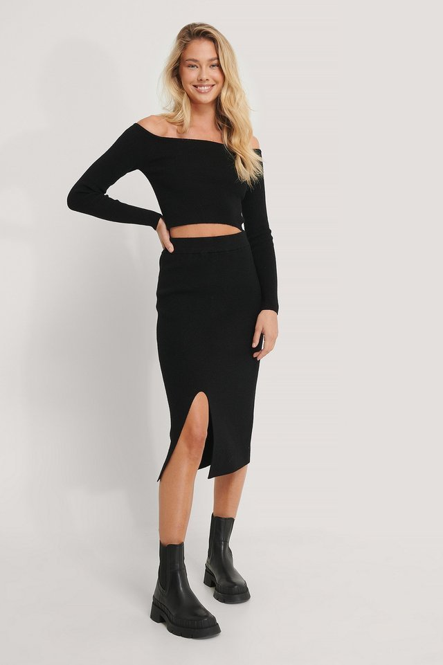 Front Slit Knitted Skirt Outfit.