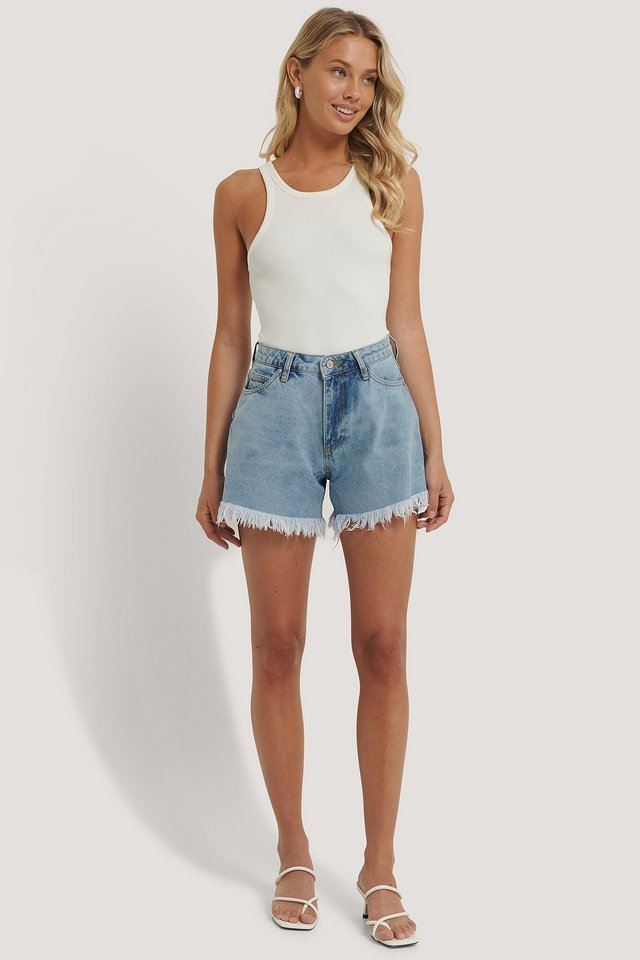 Tasseled Denim Shorts Outfit.