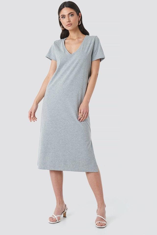 V-neck Jersey Dress Outfit.