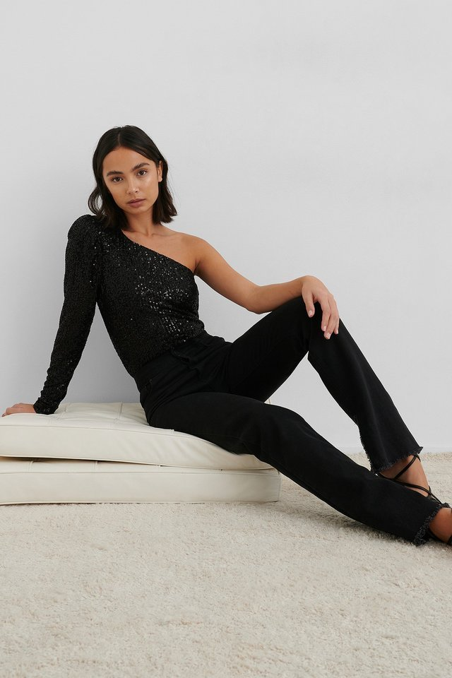 Puff Sleeve One Shoulder Sequin Top Outfit.