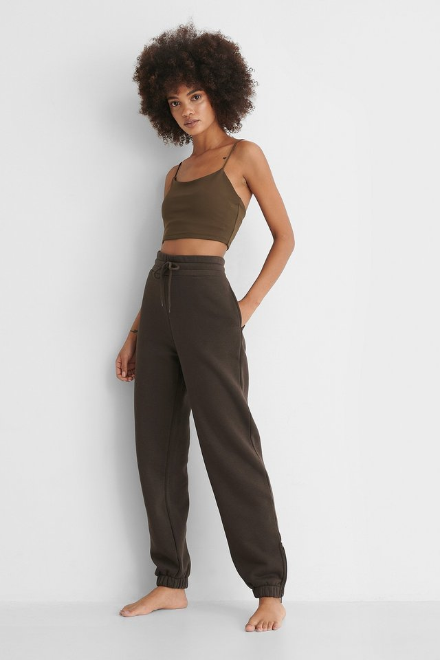 Deep Back Cropped Top Outfit.