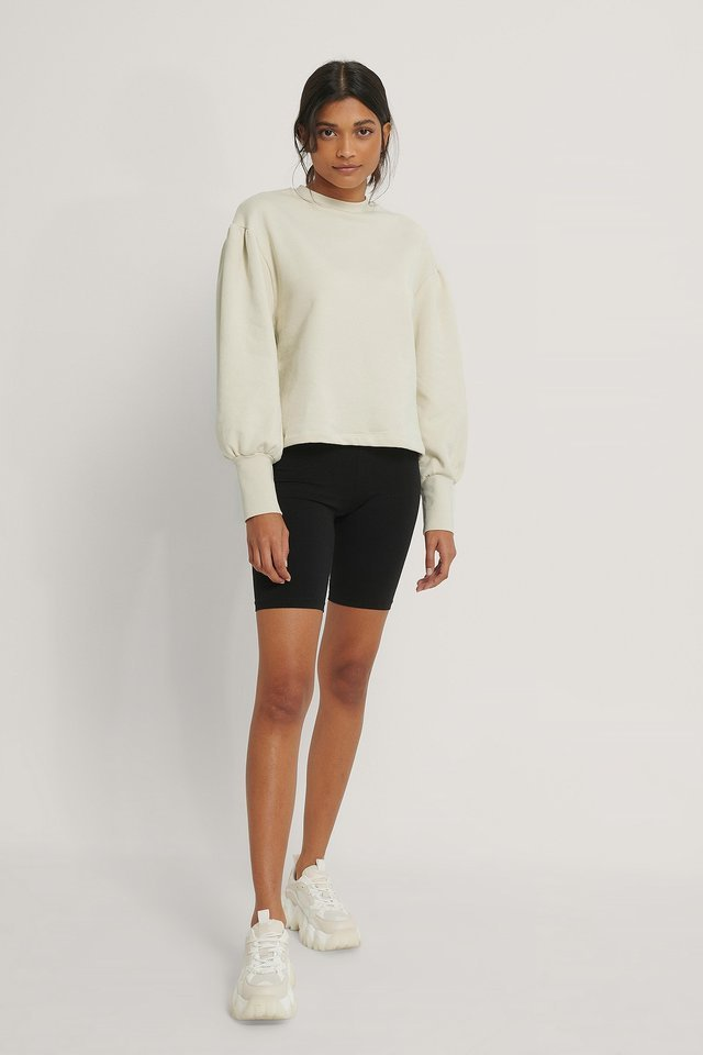 Puff Shoulder Sweatshirt Outfit.