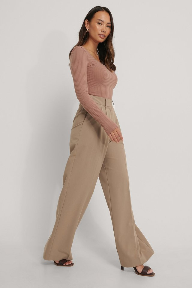Deep Round Neck Rib Top Outfit.