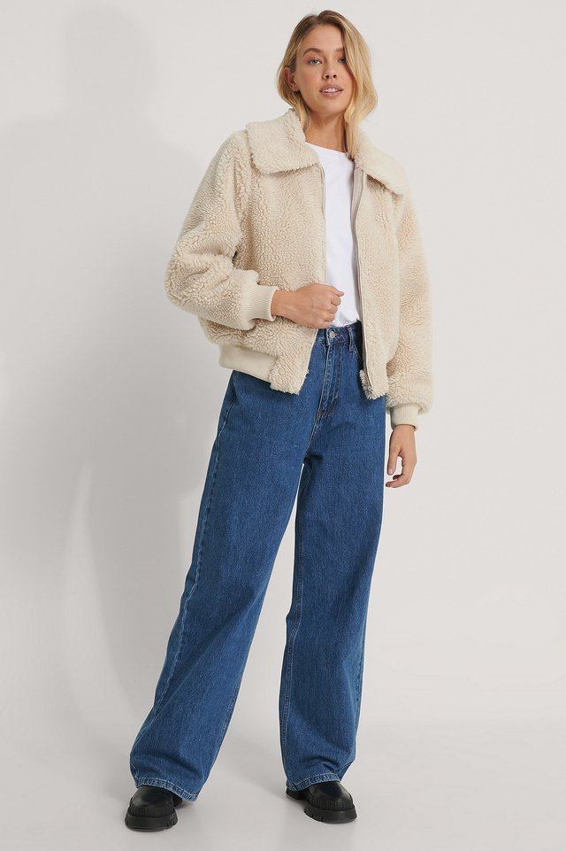 Cropped Teddy Jacket Beige.
