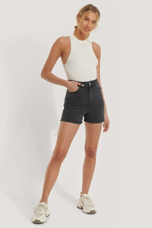 Mom Denim Shorts Outfit.