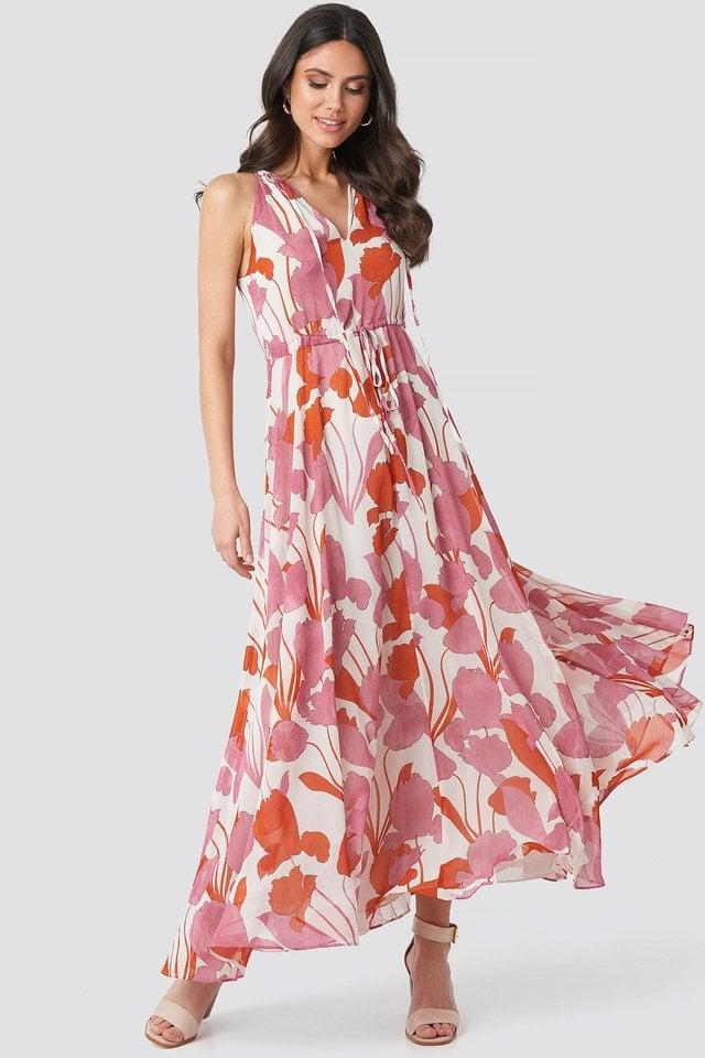 Luzia Dress Outfit.