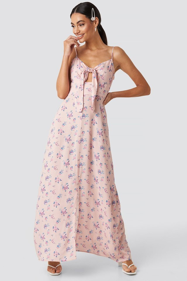 Front Tie Floral Maxi Dress Outfit.