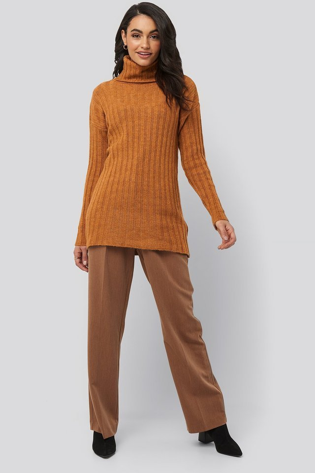 Ribbed Turtleneck Knitted Sweater Outfit.