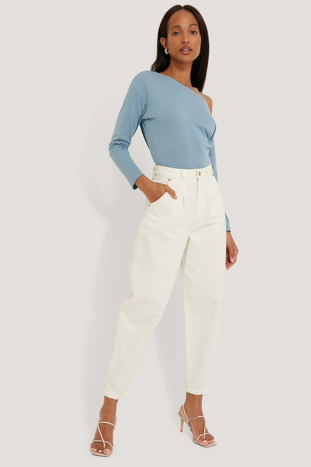 Organic Off Shoulder Longsleeve Top Outfit.