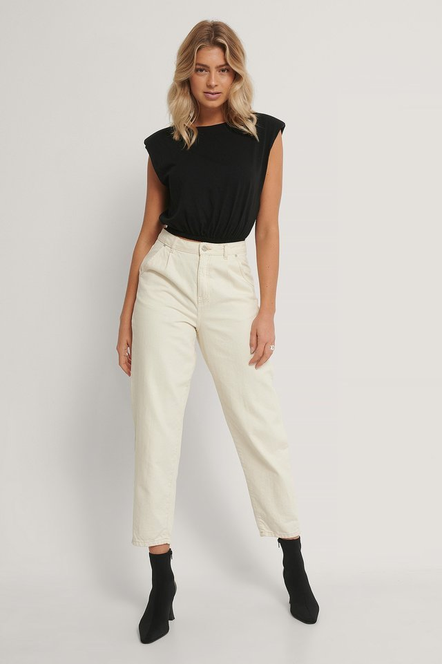 Wadded Shoulder Crop Top Outfit.