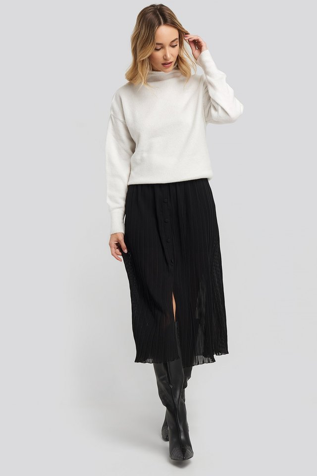 Button Detail Pleated Skirt Outfit.