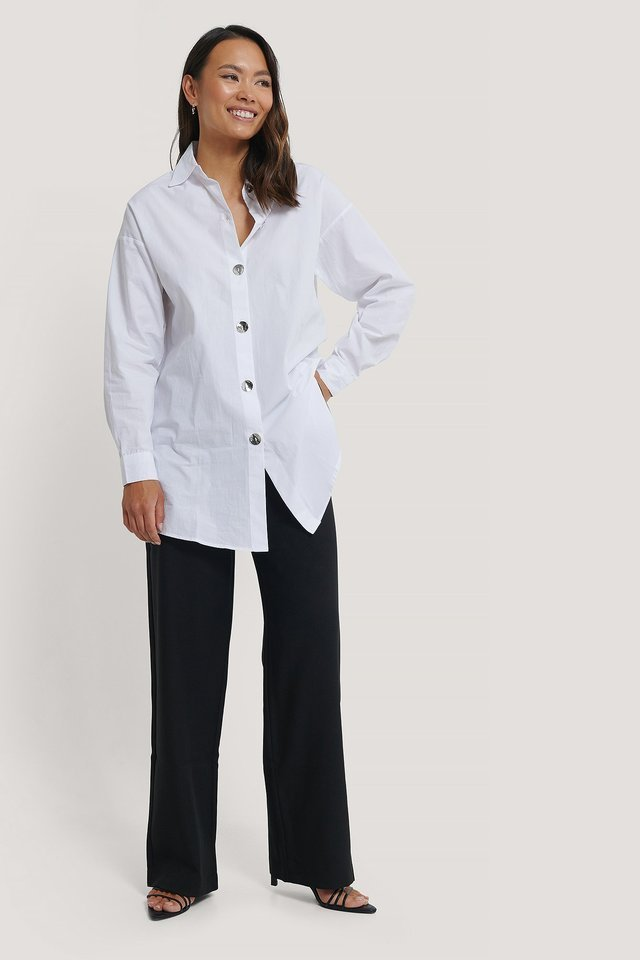 Relaxed Shirt with Metal Buttons Outfit.
