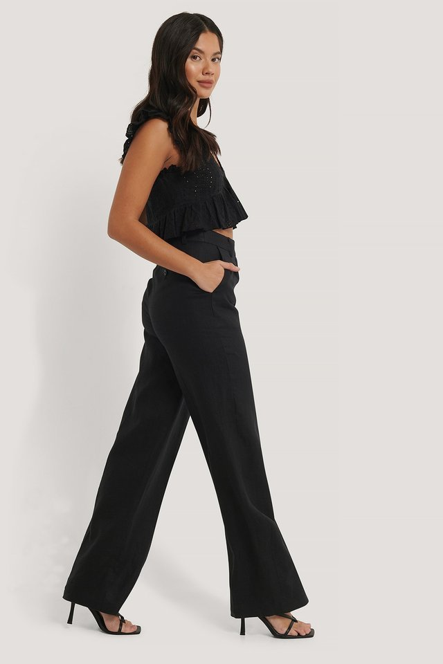 V-Neck Anglaise Flounce Top Outfit.