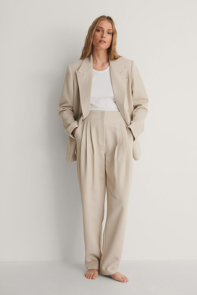 Darted Twill Pants Outfit.