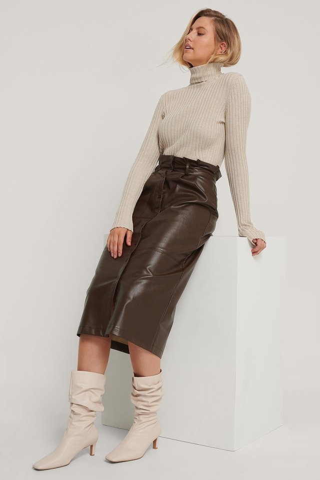 Ribbed Detail Knitted Polo Sweater Outfit.