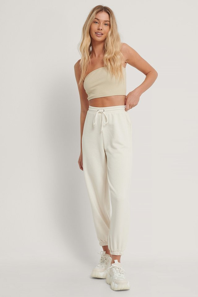 Drawstring Elastic Sweatpants Outfit.
