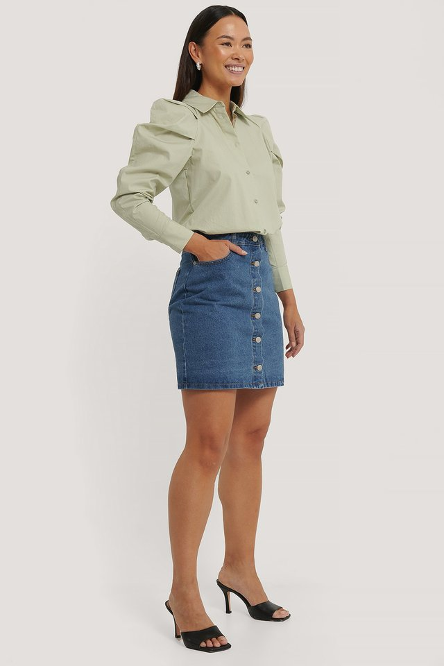 A-line Buttoned Denim Skirt Outfit.