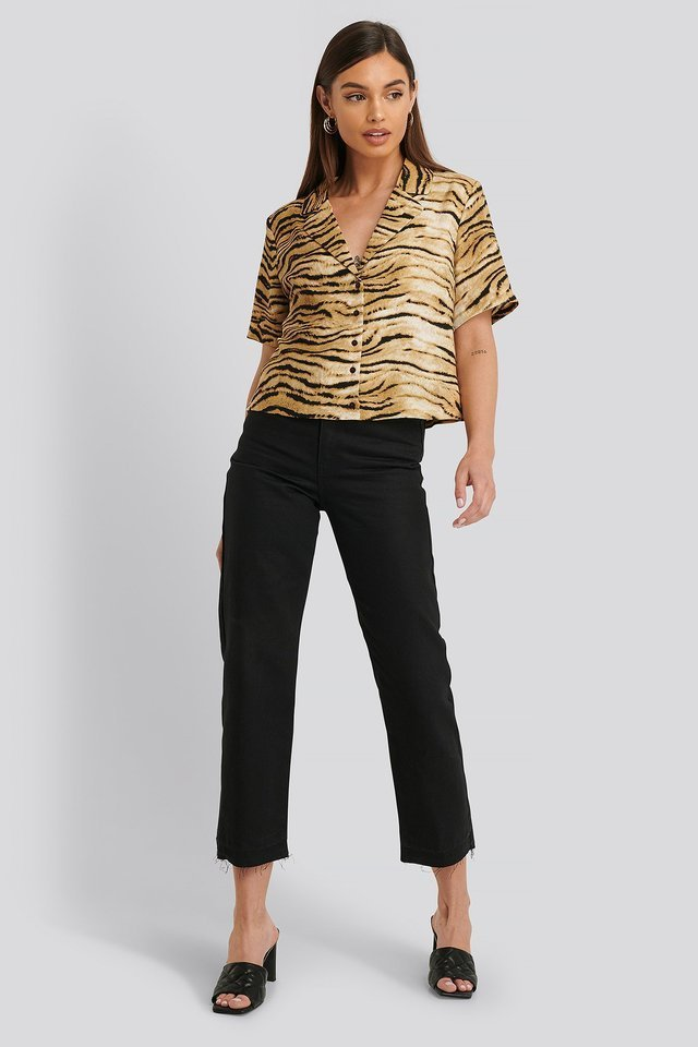 Sofi Camp Shirt Outfit.