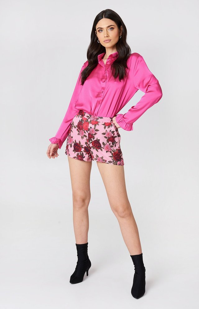 Printed High Waist Shorts Outfit.
