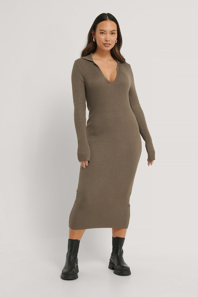 Brown Collar Knitted Midi Dress