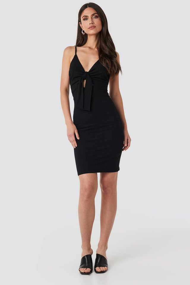 Tie Front Ribbed Midi Dress Outfit.