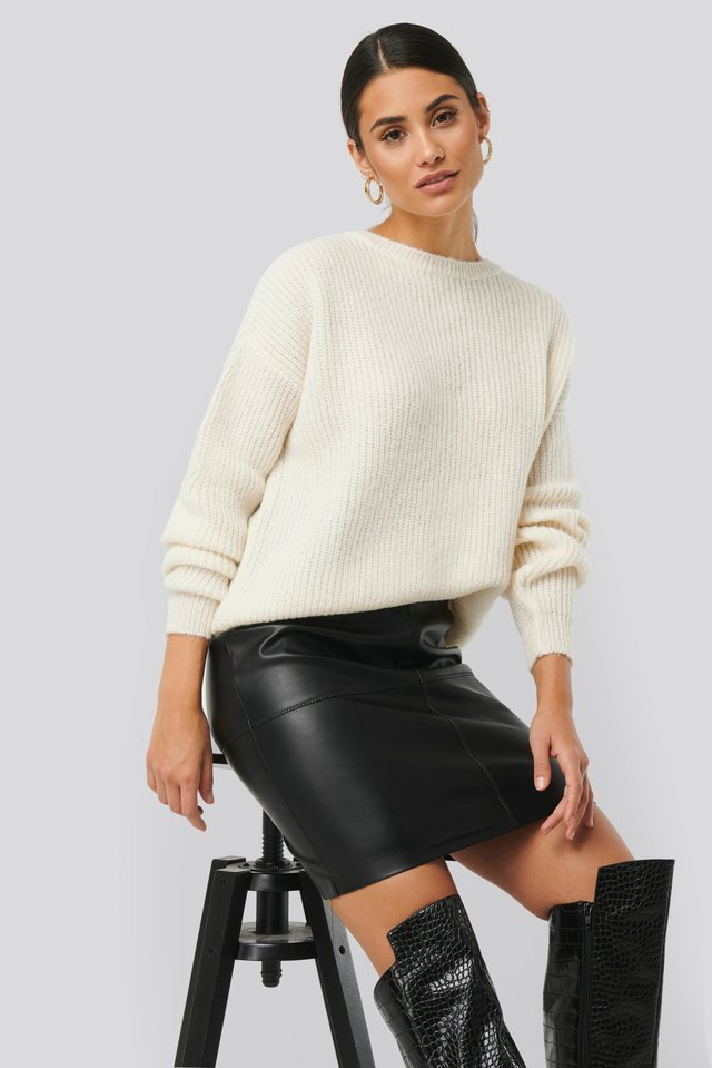 Basic Round Neck Knitted Sweater Outfit.