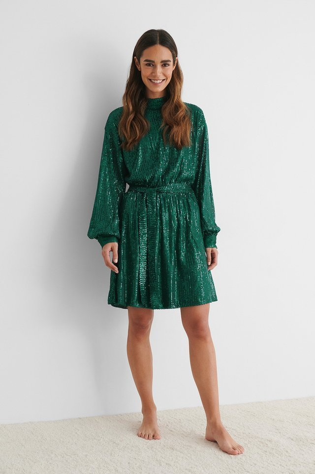 Belted Balloon Sleeve Sequin Dress Outfit.