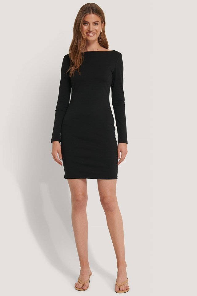 Boat Neck Bodycon Dress Outfit.