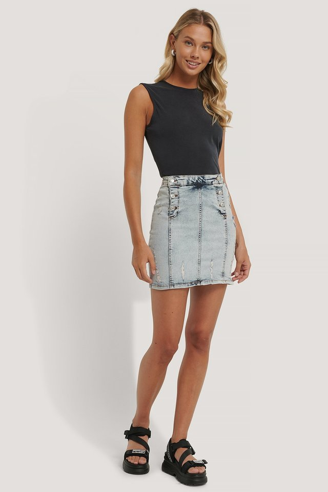 Button Detail Denim Skirt Outfit.