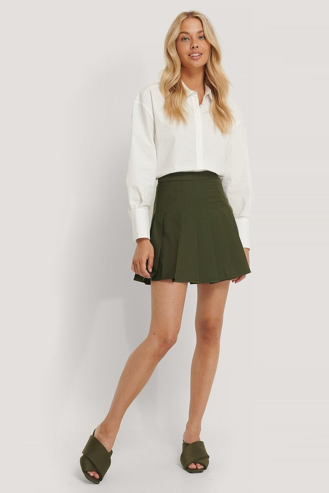 Pleated Short Skirt Outfit.